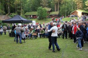 Dansing under st.hansfeiringen på Maihaugen, Lillehammer