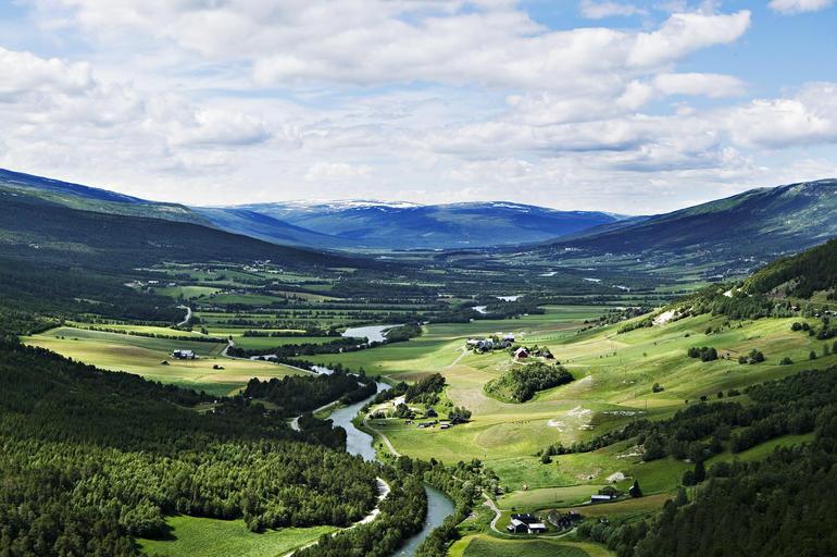Utsikt fra Dalbakken i Lesja. Foto Benedikte Skarvik